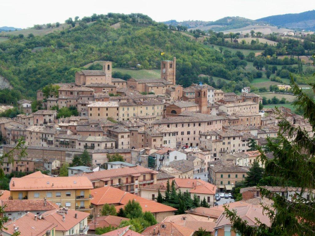 Sarnano (by Common man - Public Domain)