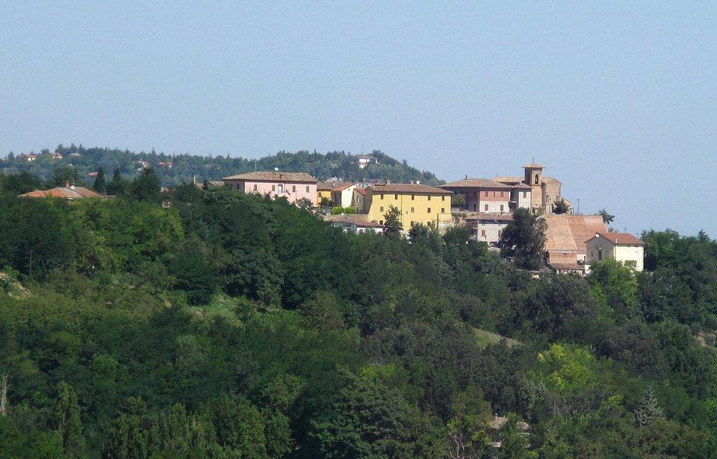 Petriano (by Toni Pecoraro - Public Domain)