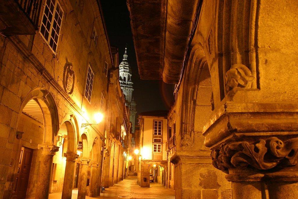 Centro storico, Santiago de Compostela (by Yearofthedragon - CC BY-SA 3.0)