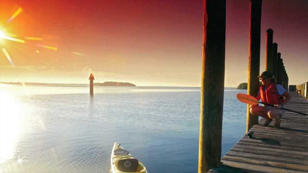 Port Charlotte - Charlotte Harbor ofreciendo vistas generales de la costa y una puesta de sol