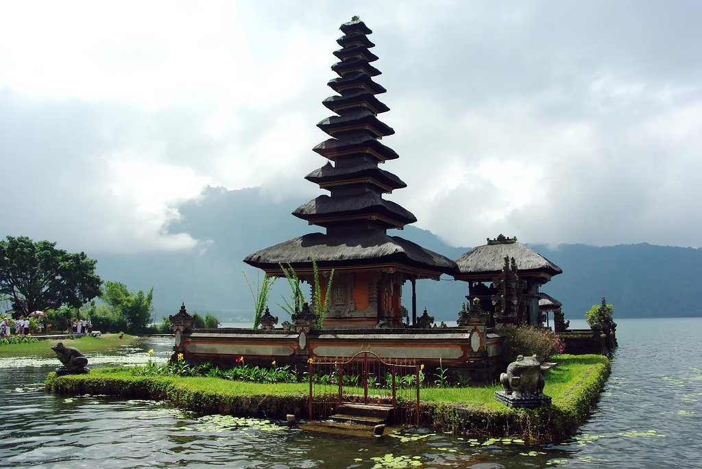 Bali (by DEZALB - CC0 Creative Commons)