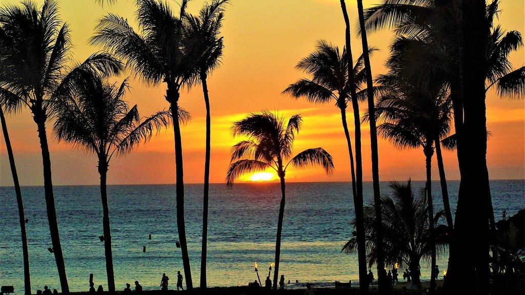 Tramonto a Maui, Hawaii (by hmmunoz512 - CC0 Creative Commons)