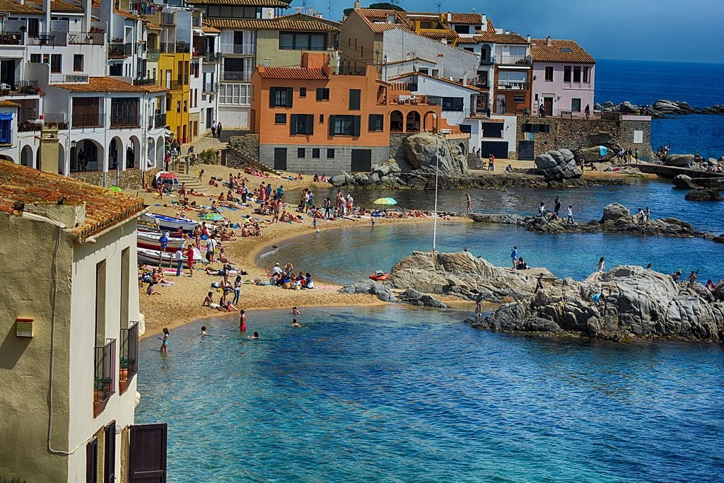 Calella de Palafrugell By Felipoween - Own work, CC BY-SA 3.0, https://commons.wikimedia.org/w/index.php?curid=32818122