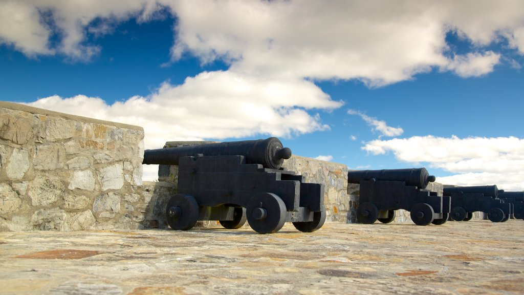 Fort Ticonderoga featuring heritage elements and military items