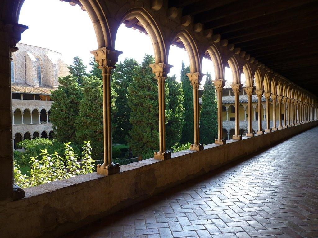 Chiostro del Monastero di Pedrables, Pixabay