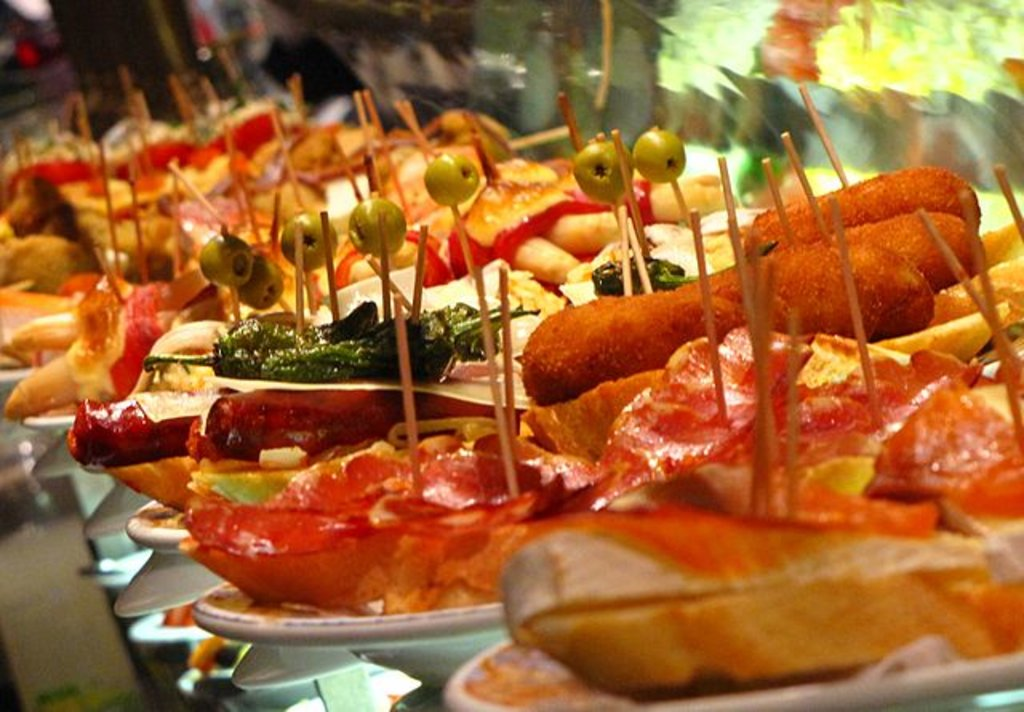 Tapas a Barcellona, By Elemaki - Own work, CC BY 3.0, https://commons.wikimedia.org/w/index.php?curid=8626836