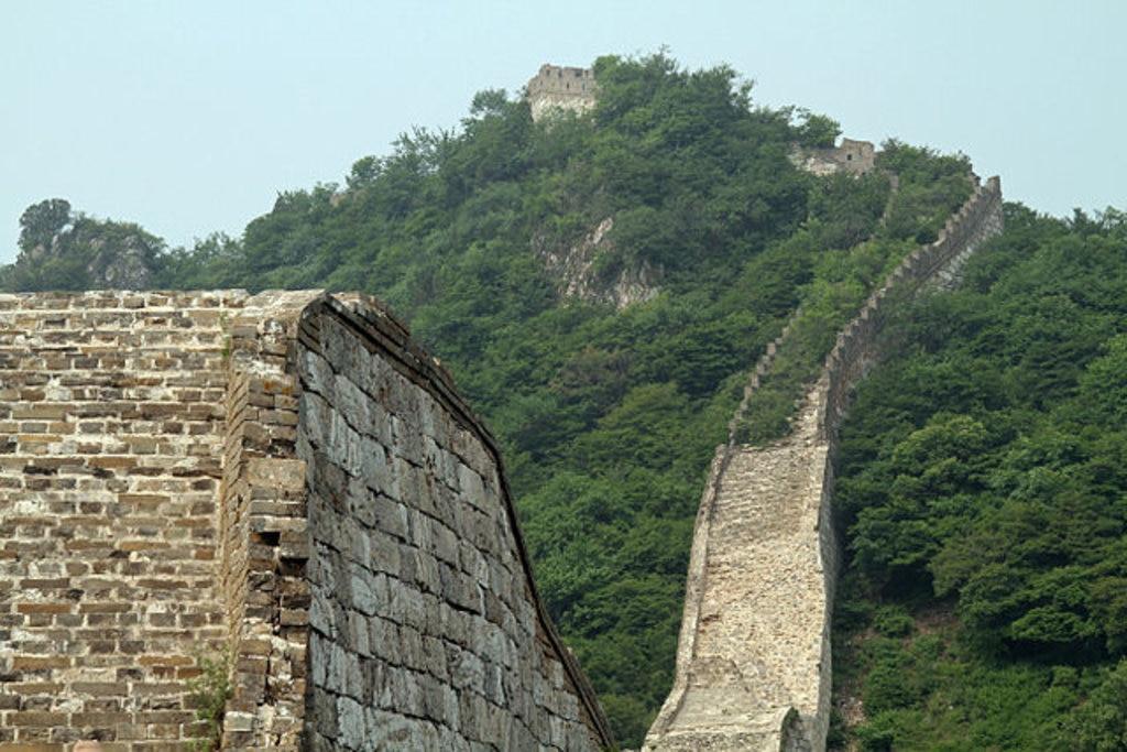 Une della ripide salite lungo la sezione della Grande Muraglia a Jiankou, By Ronnie Macdonald from Chelmsford, United Kingdom - Jiankou 26, CC BY 2.0, https://commons.wikimedia.org/w/index.php?curid=25807798