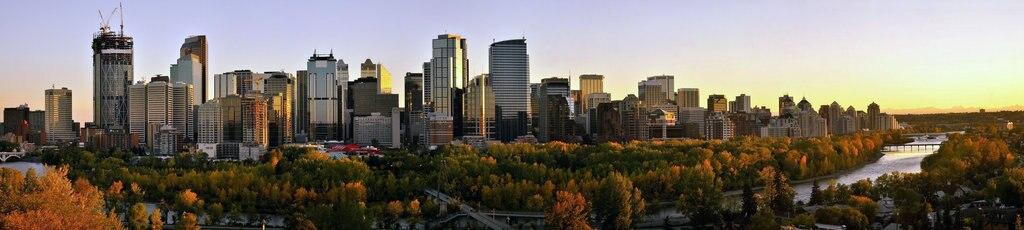 """""""Panorama di Calgary - By Calgarypanorama.jpg: Calgarypanoderivative work: pro2 - Calgarypanorama.jpg, CC0,"""