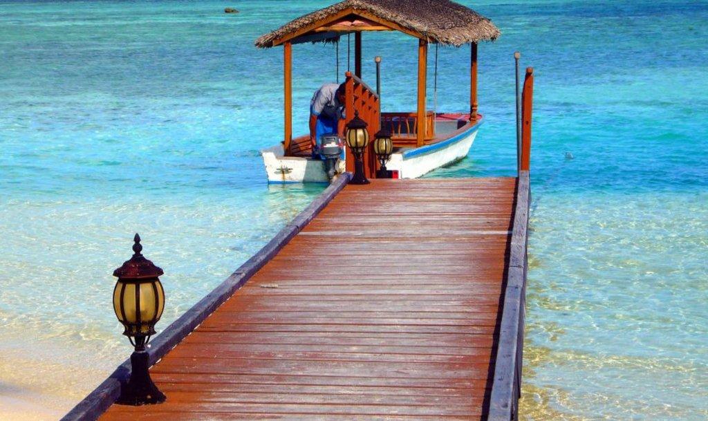 Maldive, pontile - Courtesy of Francesca Spano