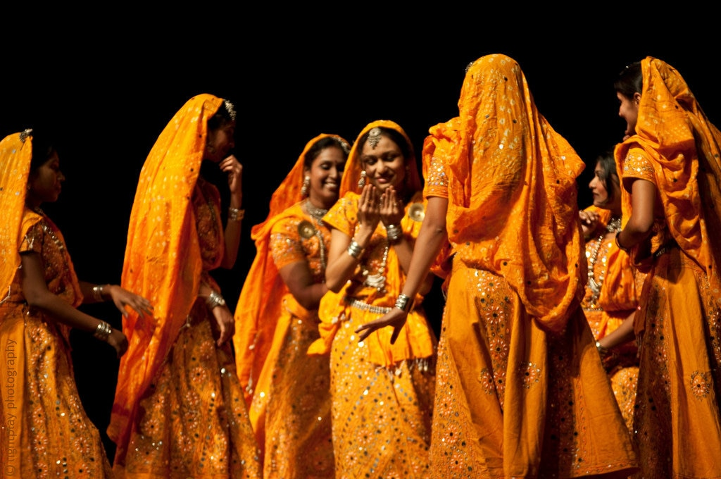 """Rajasthani Folk"" by Bipin Gupta  - Under Creative Commons license CC BY-ND 2.0 - (https://creativecommons.org/licenses/by-nd/2.0/) - https://www.flickr.com/photos/lightplay/4868171895"