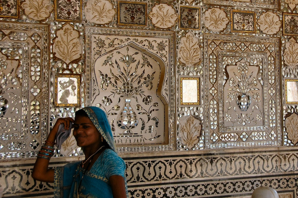 """Amber Fort, Jaipur India"" by Russ Bowling - Under Creative Commons license CC BY 2.0 (https://creativecommons.org/licenses/by/2.0/) - https://www.flickr.com/photos/robphoto/2869764964"