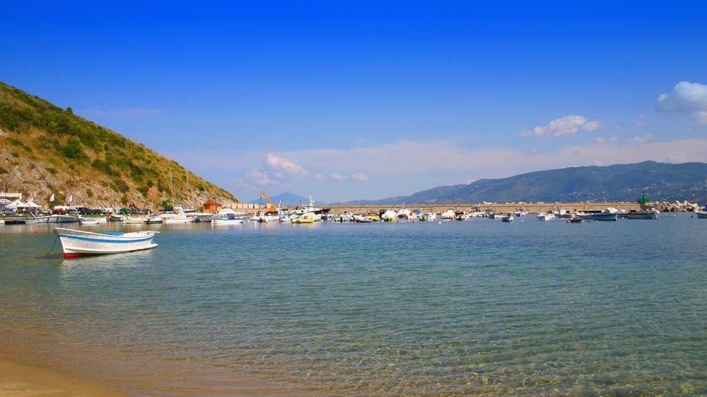 Palinuro which includes a sandy beach and a bay or harbor