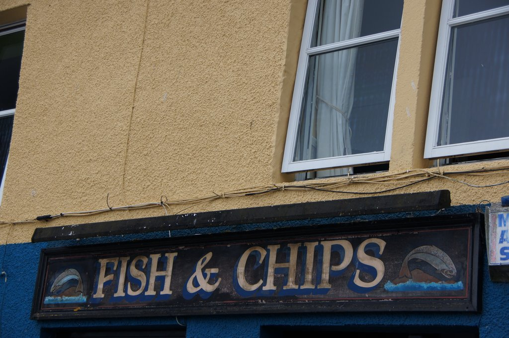 Fish & Chips (Martin Abegglen, CC BY-SA 2.0 - https://www.flickr.com/photos/twicepix/4777256494/ )