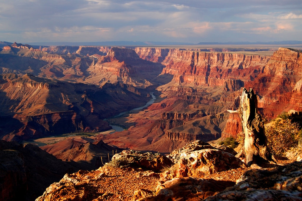 """""""Grand Canyon"""" by John Vetterli - Under Creative Commons license CC BY-SA 2.0 (https://creativecommons.org/licenses/by-sa/2.0/) - https://www.flickr.com/photos/jvetterli/2917807144"""