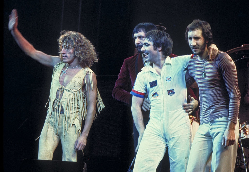 The Who nel 1975. Da sinistra: Roger Daltrey, John Entwistle, Keith Moon e Pete Townshend. Photo by Jim Summaria - own work. Licensed under CC BY-SA 3.0 via Wikimedia Commons  (https://commons.wikimedia.org/wiki/File:Who_-_1975.jpg)
