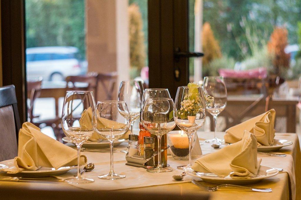 Non solo nei giorni di festa. Il bollito va bene anche per una cena romantica - by Pixabay - CC0 Public Domain (https://creativecommons.org/publicdomain/zero/1.0/deed.it)