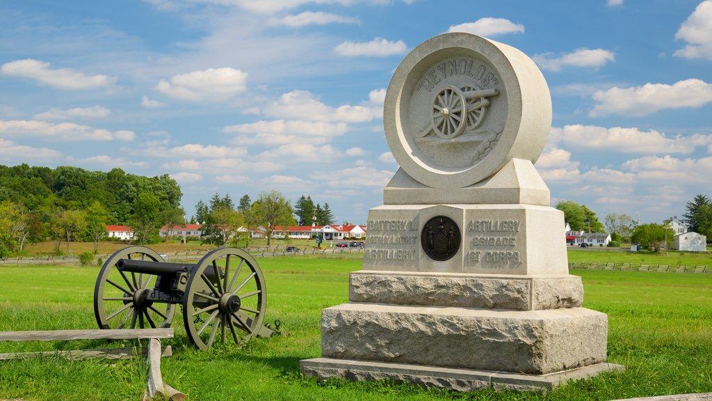 Gettysburg National Military Park showing heritage elements and a park