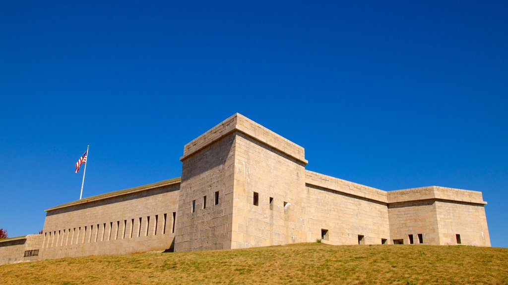 Fort Trumbull State Park showing heritage architecture