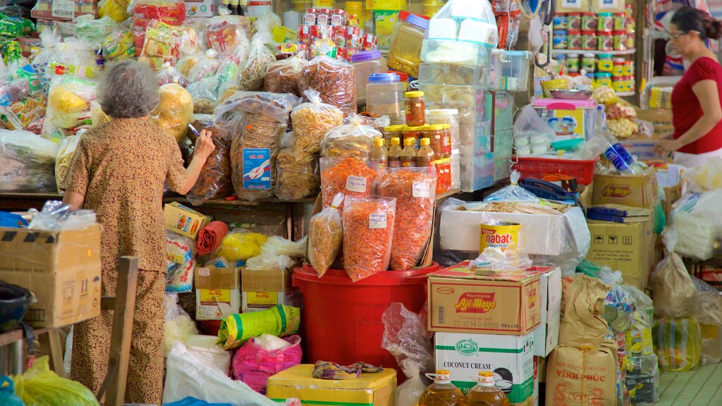 Da Nang which includes food and markets