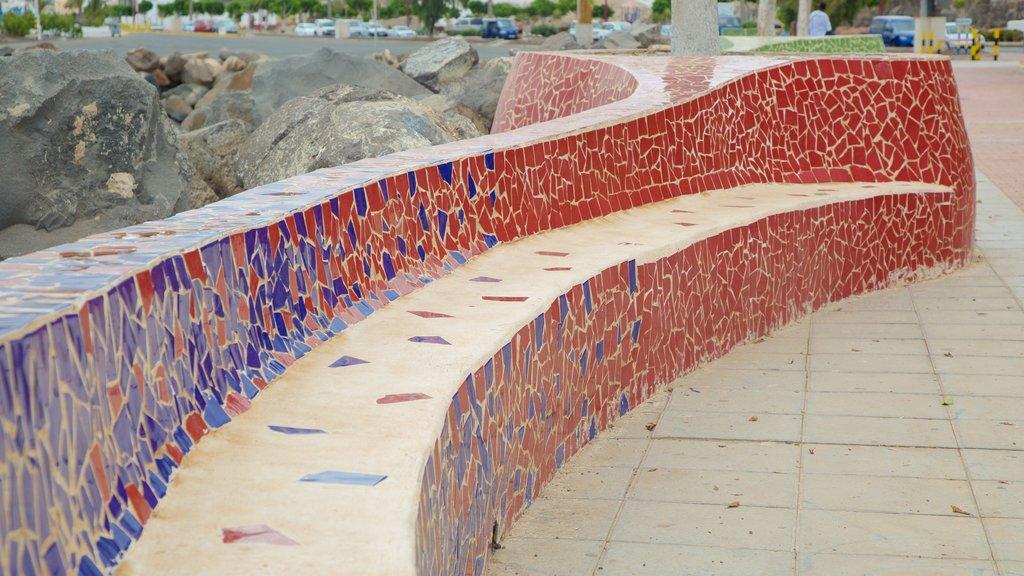 Puerto del Rosario which includes art and outdoor art