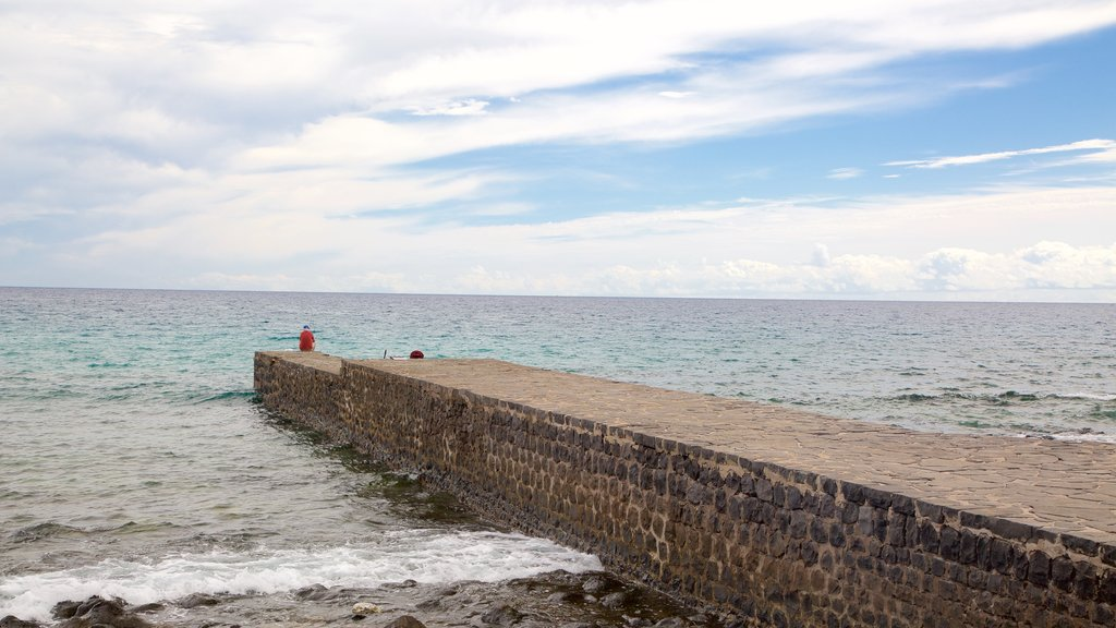 Puerto del Rosario which includes general coastal views