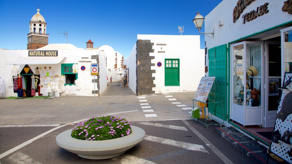 Teguise featuring cbd, a city and shopping