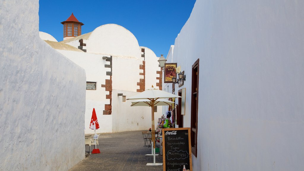 Teguise which includes cafe lifestyle