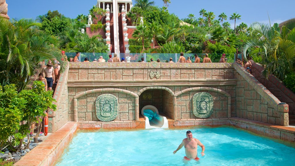 Siam Park showing a waterpark