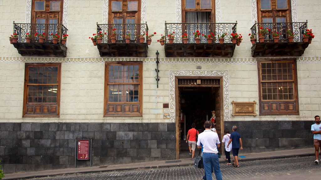 La Orotava showing heritage architecture