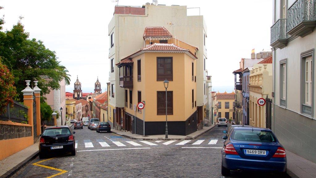 La Orotava which includes street scenes, a city and heritage architecture