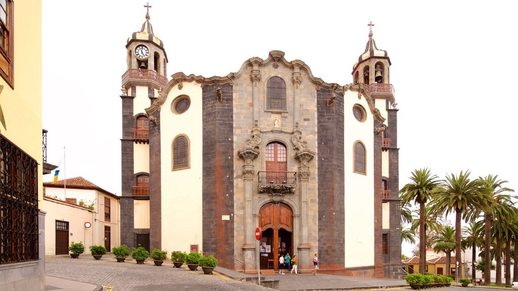 La Orotava featuring heritage architecture and a church or cathedral