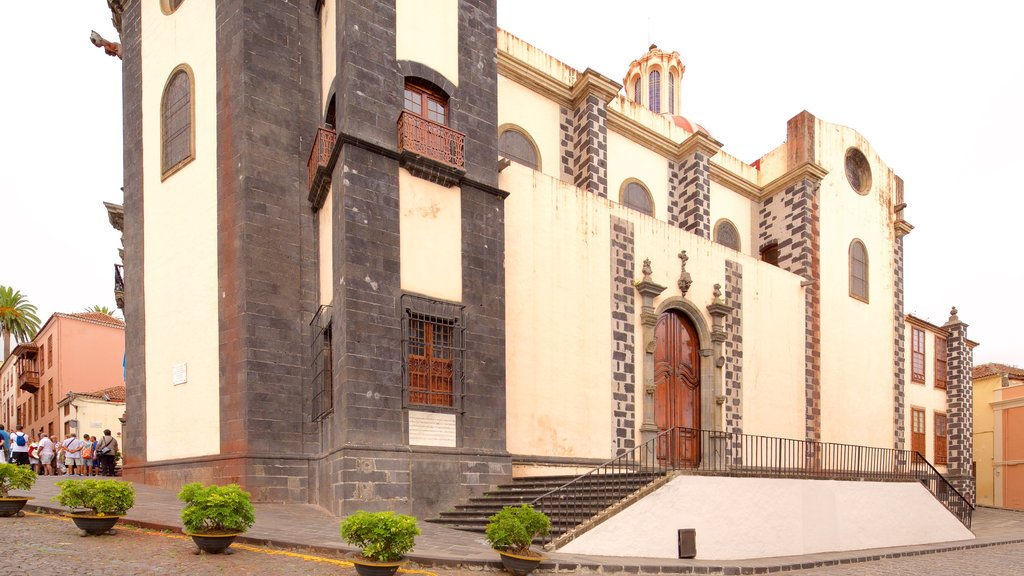 La Orotava which includes a church or cathedral and heritage architecture