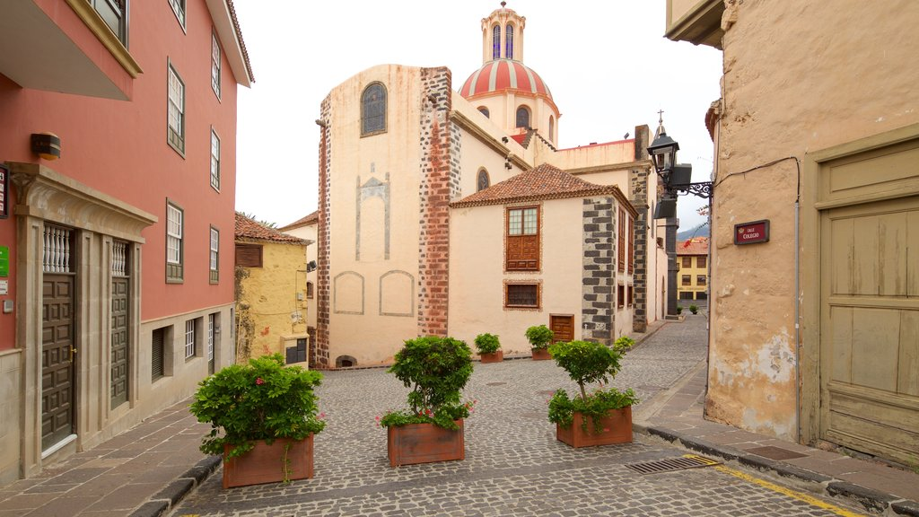 La Orotava featuring a city and heritage architecture