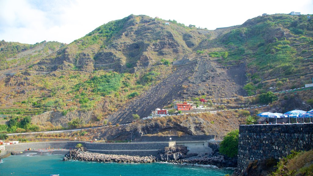 Garachico featuring boating, mountains and general coastal views