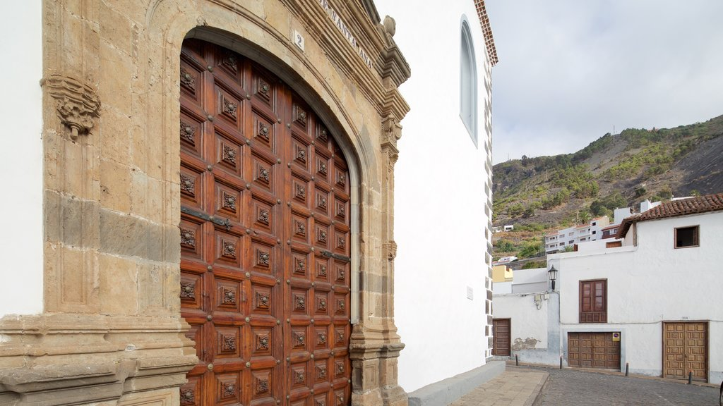 Garachico featuring a church or cathedral