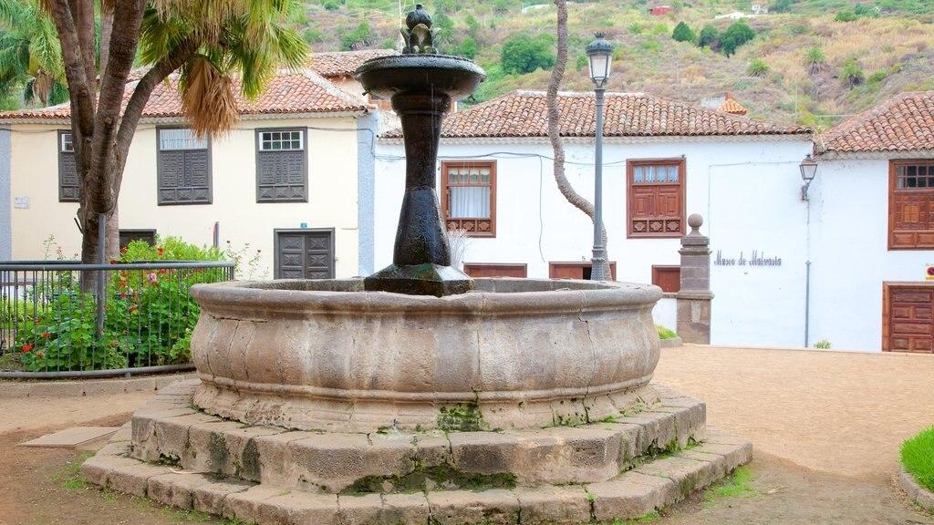 Icod de los Vinos featuring a fountain