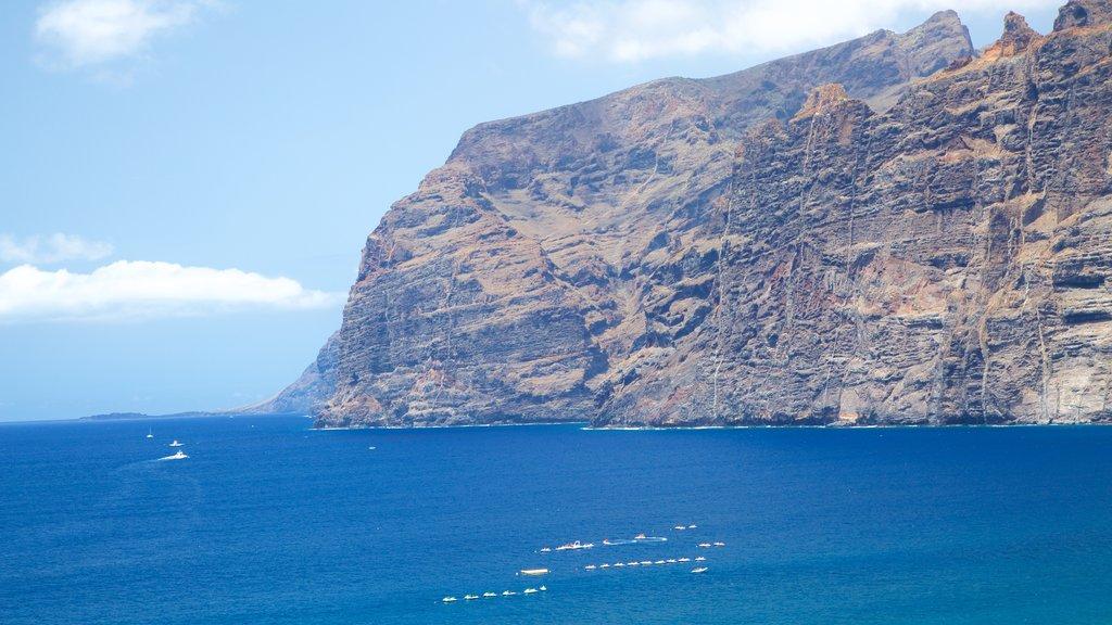 Los Gigantes showing rocky coastline and general coastal views