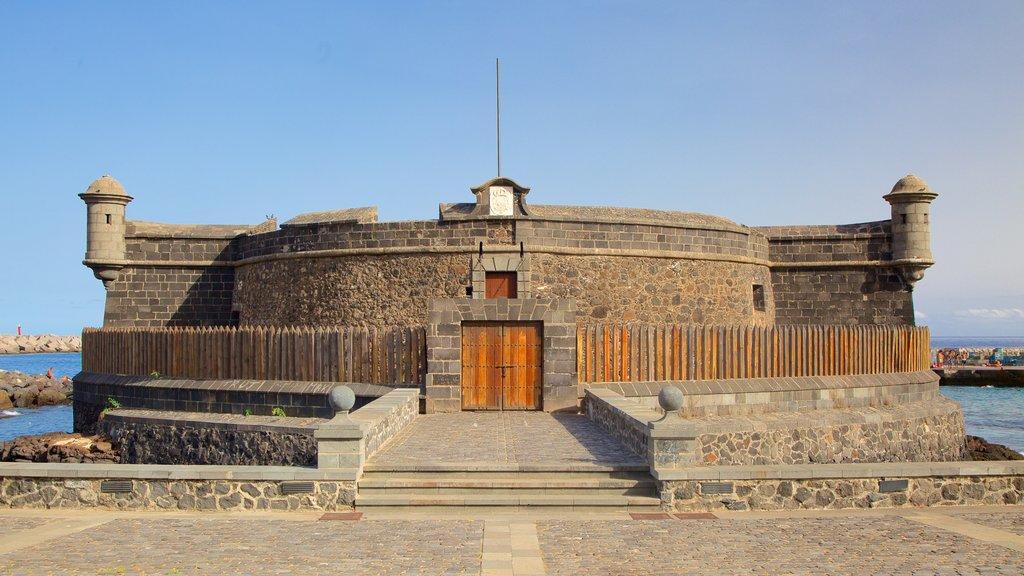 Auditorio de Tenerife which includes general coastal views