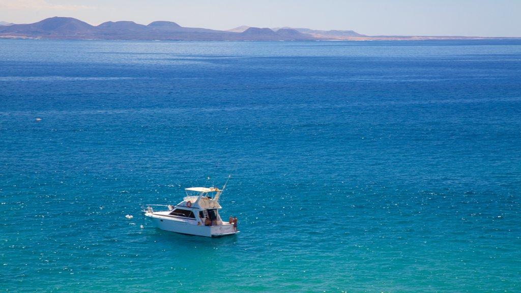 Papagayo Beach showing general coastal views and boating