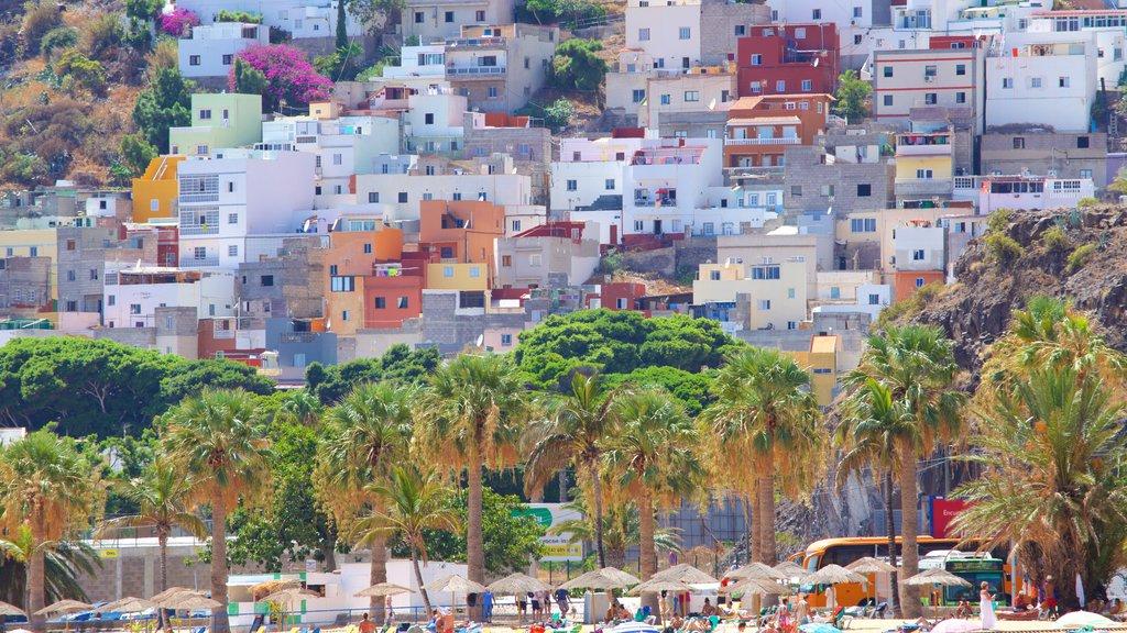 Teresitas Beach which includes a coastal town