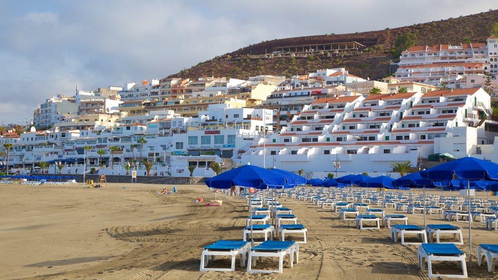 Las Vistas Beach featuring a sandy beach, general coastal views and a coastal town