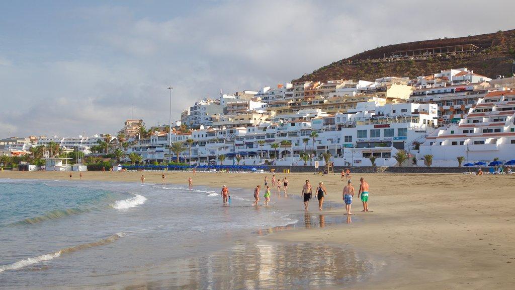Las Vistas Beach featuring a coastal town, general coastal views and a sandy beach