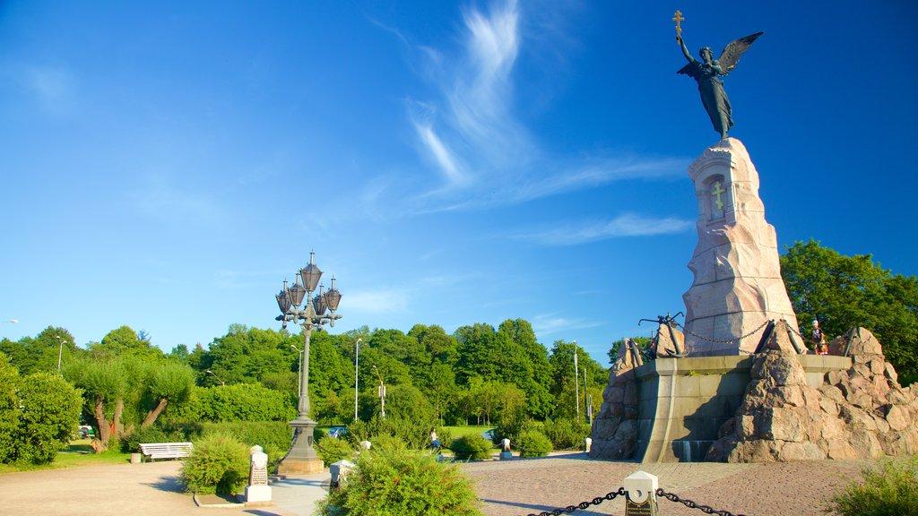 Tallinn showing a garden and a statue or sculpture