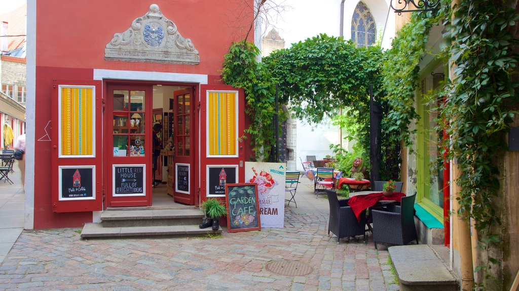 Old Town showing shopping and cafe scenes