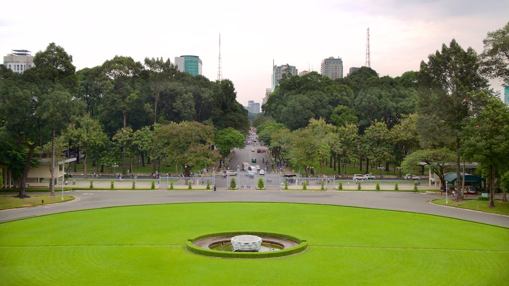 Reunification Palace showing a square or plaza