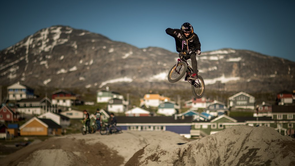 Nuuk showing mountains, mountain biking and a city