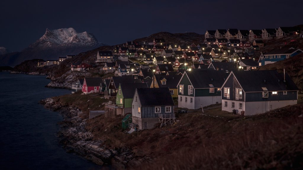 Nuuk showing snow, night scenes and mountains