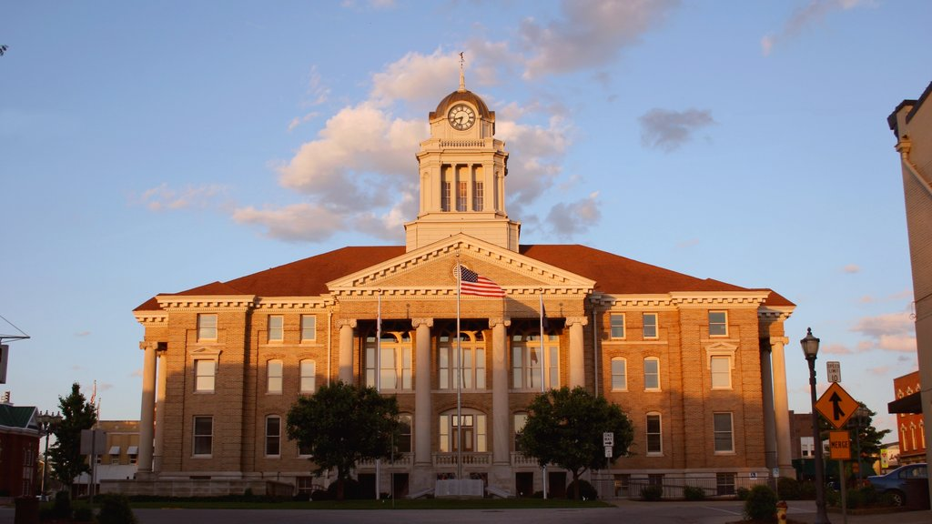 Jasper featuring an administrative buidling, a sunset and heritage architecture