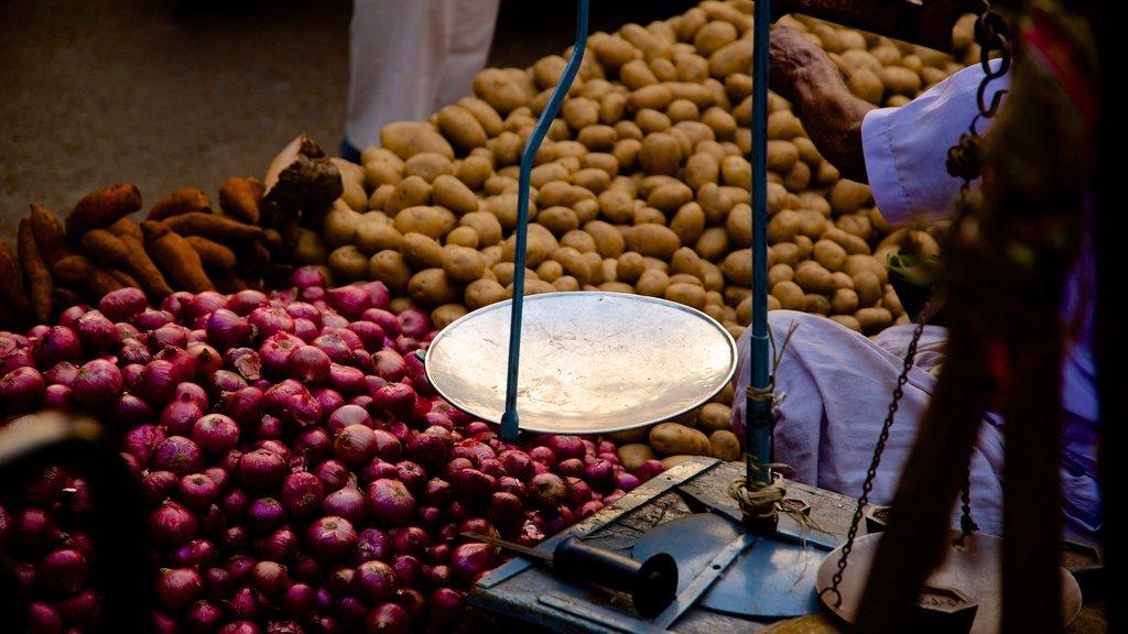 Manek Chowk ofreciendo comida y mercados