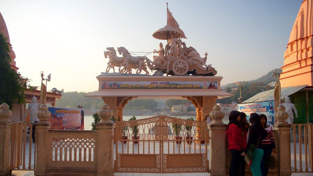 Parmarth Niketan which includes a statue or sculpture
